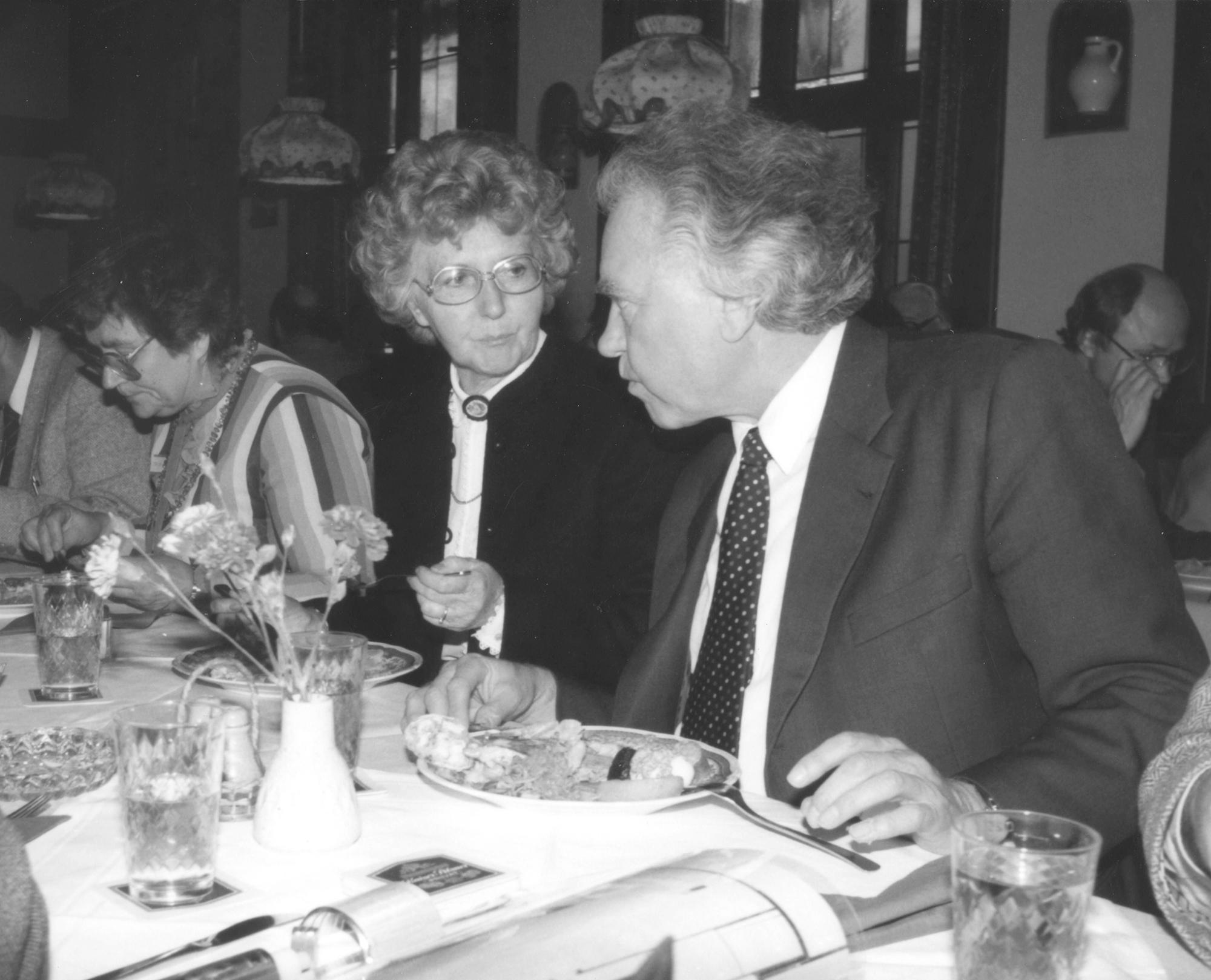 Marianne Englert 1984 in Frankfurt (mit Booms)